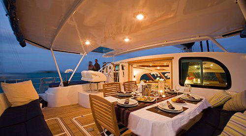 Dinner-Ambiance-on-Luxury-Yacht-Charter-www.njcharters.com_